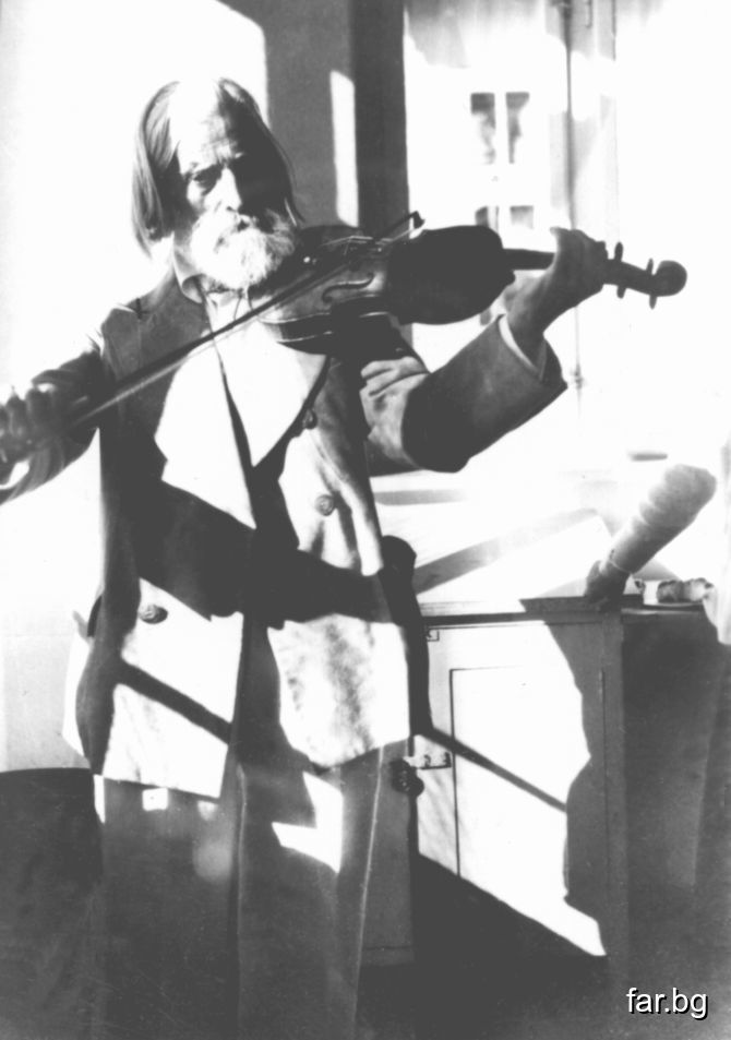 Разправят за великия цигулар Паганини, че един ден